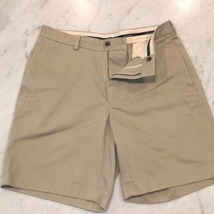 DARK KHAKI BROOKS BROTHERS SHORTS